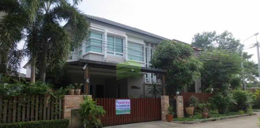 หมู่บ้าน บางกอกบูเลอวาร์ด รามอินทรา 3 (Bangkok Boulevard Ramintra 3) ขายด่วน บ้านเดี่ยว 2 ชั้น แปลงริม เนื้อที่ 64.5 ตร.ว  แต่งสวย ราคาถูก