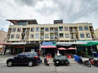 N0601156, ขายด่วน อาคารพาณิชย์ 3.5 ชั้น ซอย เคหะร่มเกล้า 31 เนื้อที่ 18 ตร.ว ใกล้ ตลาดเกรียงไกร ทำเลดี ราคาต่อรองได้