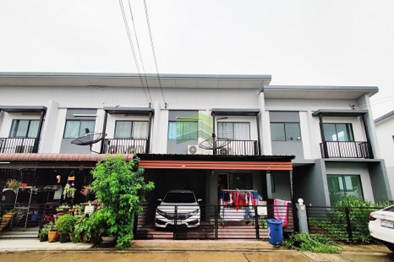 หมู่บ้าน เมททาวน์ ปทุม-ติวานนท์ ขายด่วน ทาวน์โฮม 2 ชั้น เนื้อที่ 17.80 ตร.ว ต่อเติมอย่างดี ราคาคุยกันได้