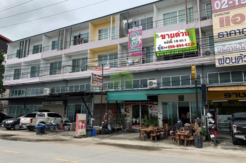 ขาย / ให้เช่าด่วน หมู่บ้าน ราชพฤกษ์ 7 เทพกุญชร 42 อาคารพาณิชย์ 3.5 ชั้น เนื้อที่ 19 ตร.ว เหมาะพักอาศัย, ประกอบธุรกิจ,ค้าขาย ราคาต่อรองได้