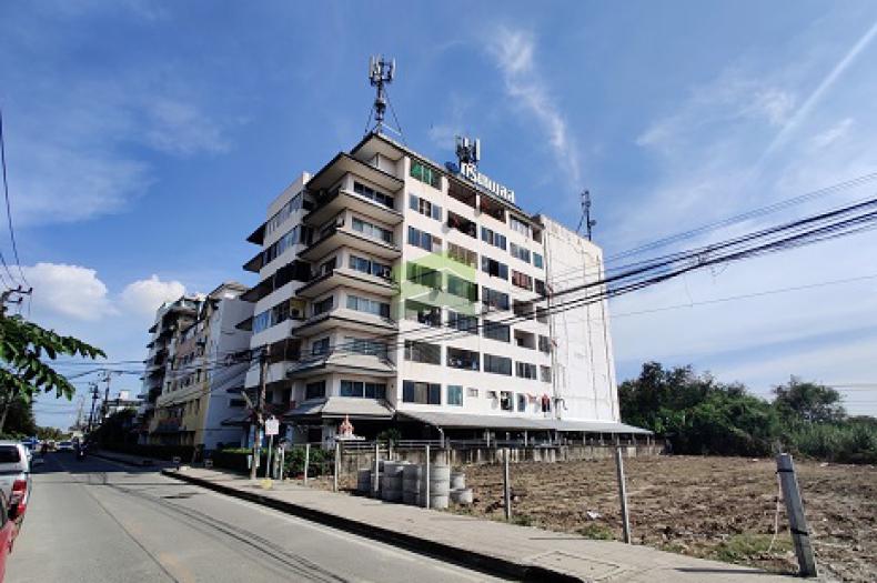 คอนโด กรีนเพลส รอยัล พาร์ค ขายด่วน ห้องชุด เนื้อที่ 40.50 ตร.ม ชั้น 8 ถนนเฉลิมพระเกียรติ ร.9 ราคาถูก พร้อมอยู่อาศัย