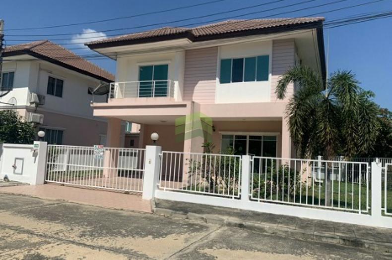 หมู่บ้าน เปี่ยมภิรมย์ ขายด่วน บ้านเดี่ยว 2 ชั้น เนื้อที่ 122.70 ตร.ว แปลงริม พร้อมอยู่  ถนน มิตรไมตรี ซ.6/2 หนองจอก กรุงเทพฯ