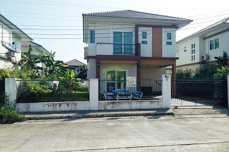 หมู่บ้าน เคซีกรีนวิลล์ หนองจอก ขายด่วน บ้านเดี่ยว 2 ชั้น เนื้อที่ 52 ตรว. ถนนมิตรไมตรี ซ.10/1 หนองจอก กรุงเทพฯ