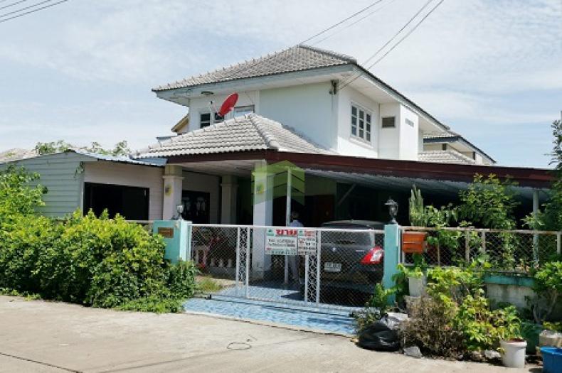 หมู่บ้าน จ๊อบทาวน์ 2 ถนนสถานีรถไฟอยุธยา-วัดป่าโค จ.พระนครศรีอยุธยา ขายด่วน บ้านเดี่ยว 2 ชั้น เนื้อที่ 65 ตร.ว พร้อมอยู่