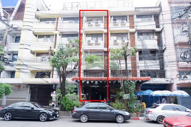 ขายด่วน อาคารพาณิชย์ 4.5 ชั้น  21 ตรว. กว้าง 4 ลึก 21 เมตร แยกร่วมจิตต์ ถนนนครไชยศรี ถนนนครราชสีมา เขตดุสิต ติดไปรษณีย์ไทยดุสิต เหมาะค้าขาย ทำห้องเช่า