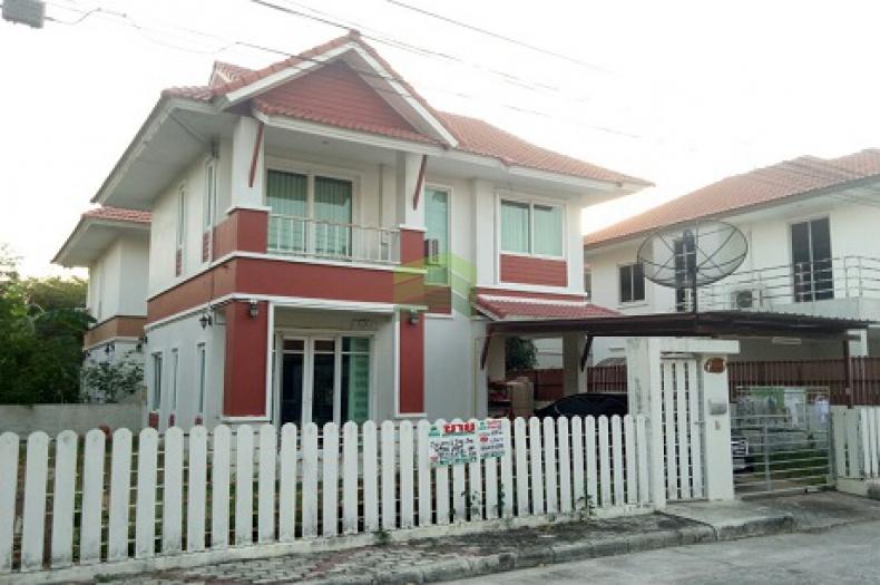 ขาย ให้เช่าด่วน หมู่บ้าน สุขุมวิท1 บางสมัคร บ้านเดี่ยว 2 ชั้น เนื้อที่ 56 ตร.ว  บางปะกง ฉะเชิงเทรา