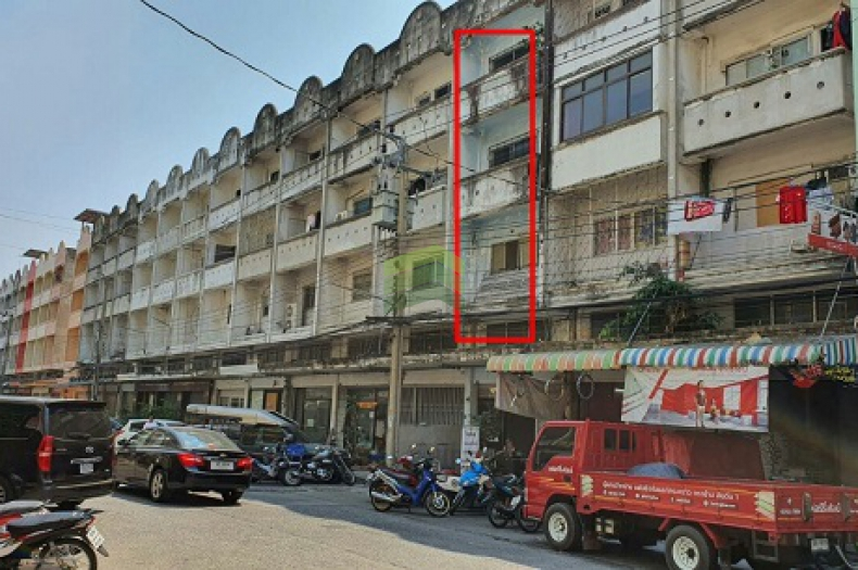 หมู่บ้าน ซื่อตรง รัตนาธิเบศร์ ขายด่วน อาคารพาณิชย์ 4.5 ชั้น เนื้อที่ 21 ตร.ว ไทรม้า เมืองนนทบุรี ทำเลดี ติดถนนเมน